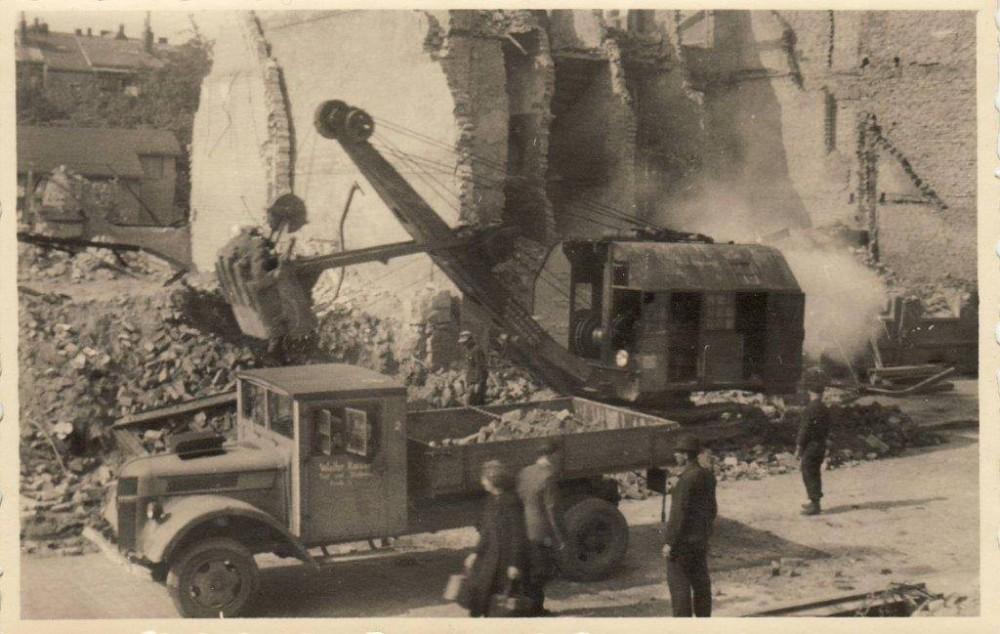 5. Enttrümmerung_Kiel_1940er-Jahre_mit_Weserhütte_LR4 Pressemeldung.jpg