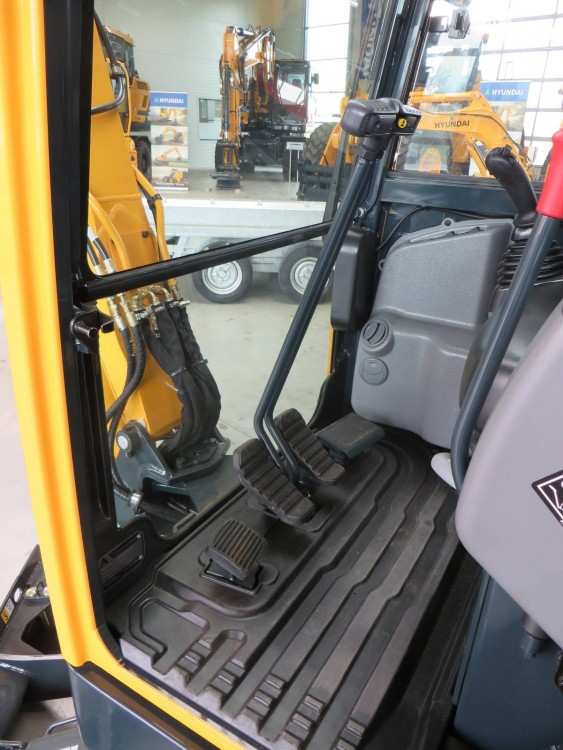 BU5 Auch der neue Minibagger von Hyundai ist im Showroom beim Exklusivhändler Wienäber Baumaschinen in Wesenberg  Reinfeld zu sehen Pressemeldung.jpg