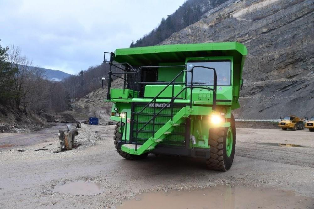 Der eMining Dumper Nummer 1 soll die nächsten 10 Jahre jährlich über 300.000 t Gestein transportieren