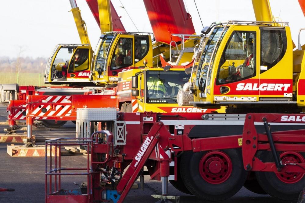 Gelb-rote Power: hohe Krandichte beim Einsatz in der Eifel