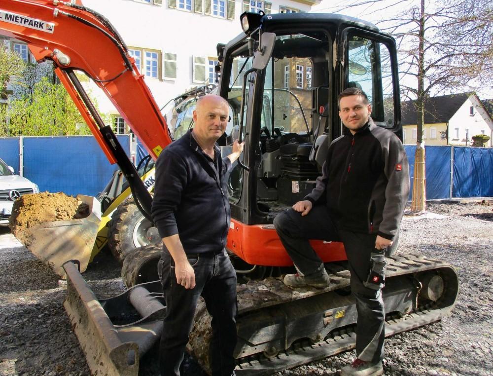 HKL Maschinen sind bei Sanierungsarbeiten am historischen Gärtnerhaus in Gemmingen im Einsatz