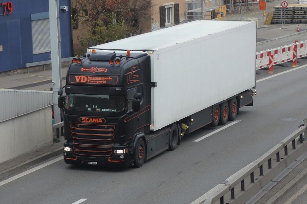 1717637129_ScaniaR13Szm.2aRDTransporte.thumb.JPG.fa3c90e4009feedef10335f2b3faa000.JPG