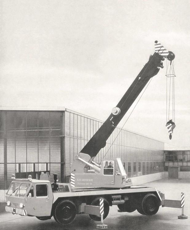 liebherr-truck-crane-auk40t60 (1920).jpg