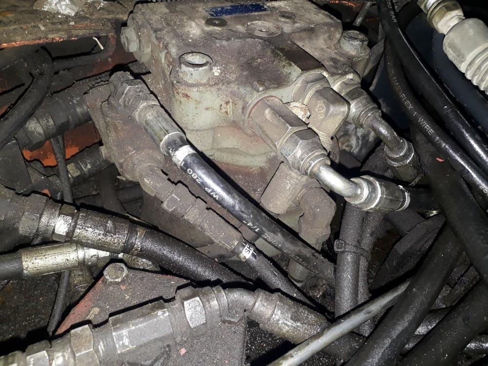 Schwenkmotor.thumb.jpg.18546e8c359148ab114fb08e91b27c96.jpg