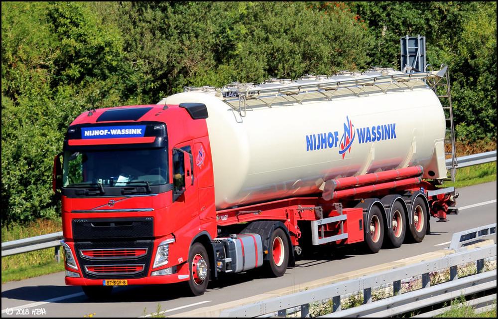 Volvo_FH_LAG_Tanker_NL.thumb.jpg.73056c662b5c8b0cb6be0312d9dd86e2.jpg