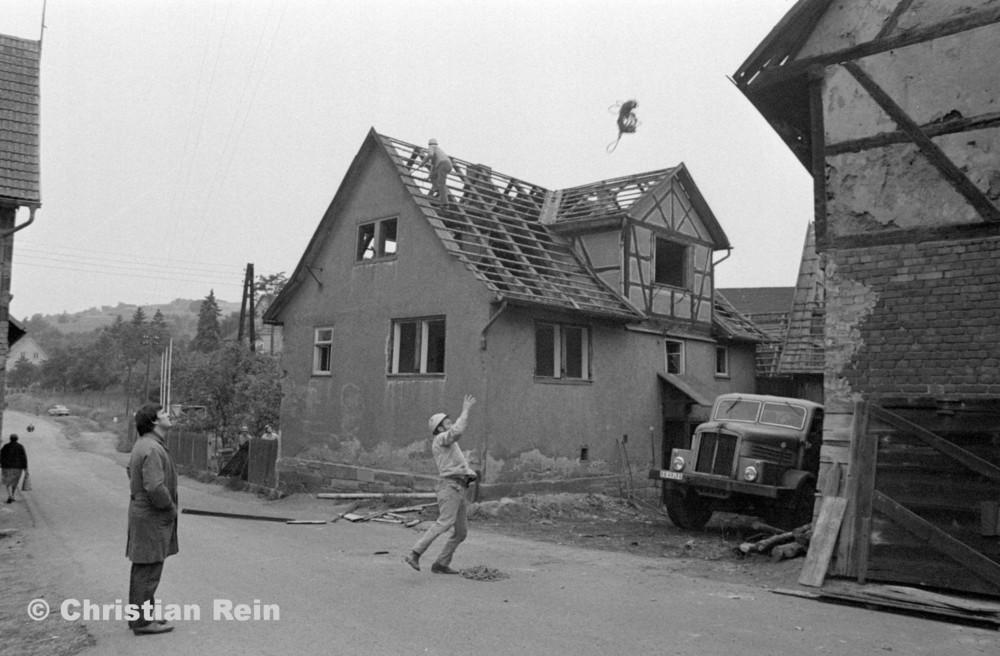 h-sw-056-07-Film1-Abbruch Engstelle Trusen(H6) Samstag 28.07.73-11.jpg