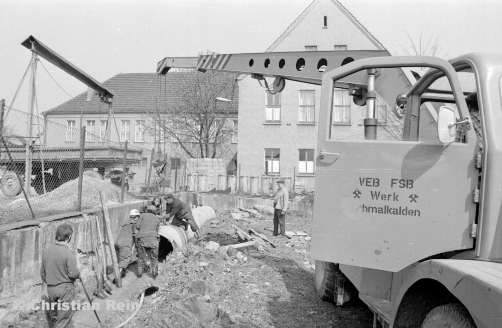 h-sw-056-34-Film1-NAW ADK 63 in Trusen Kanalisation bei Trusetalwerk 4 April 1974-27.jpg