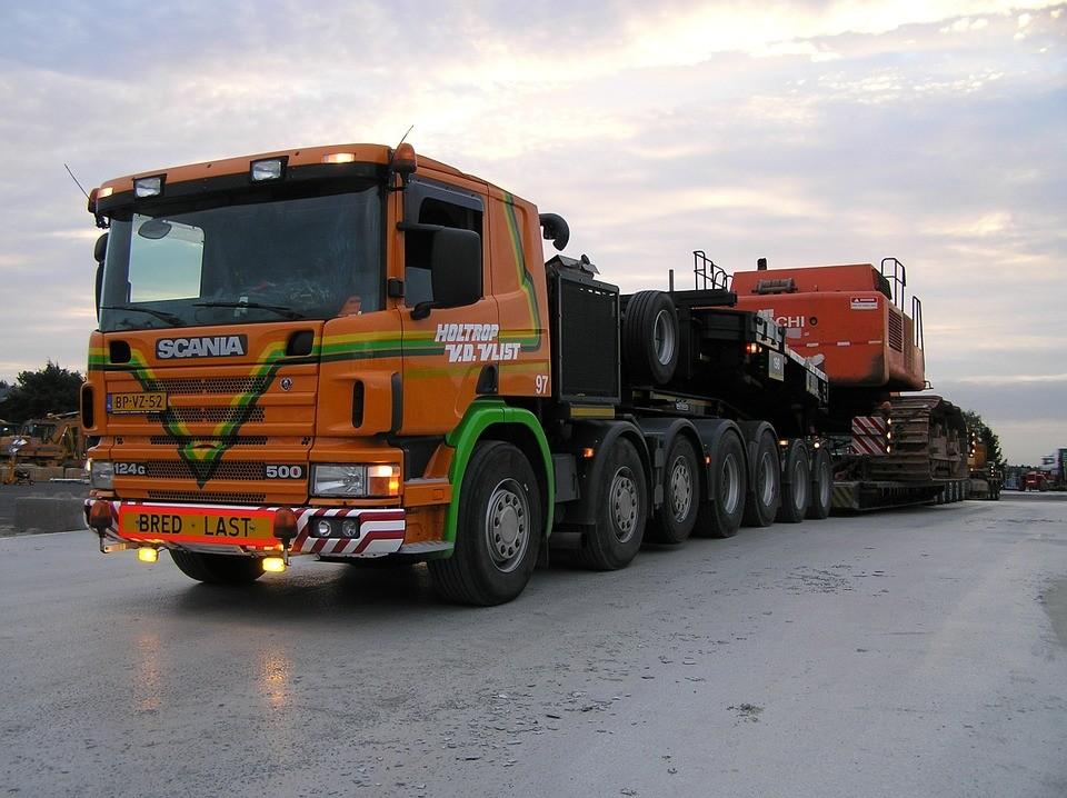 heavy-transport-534999_960_720.jpg