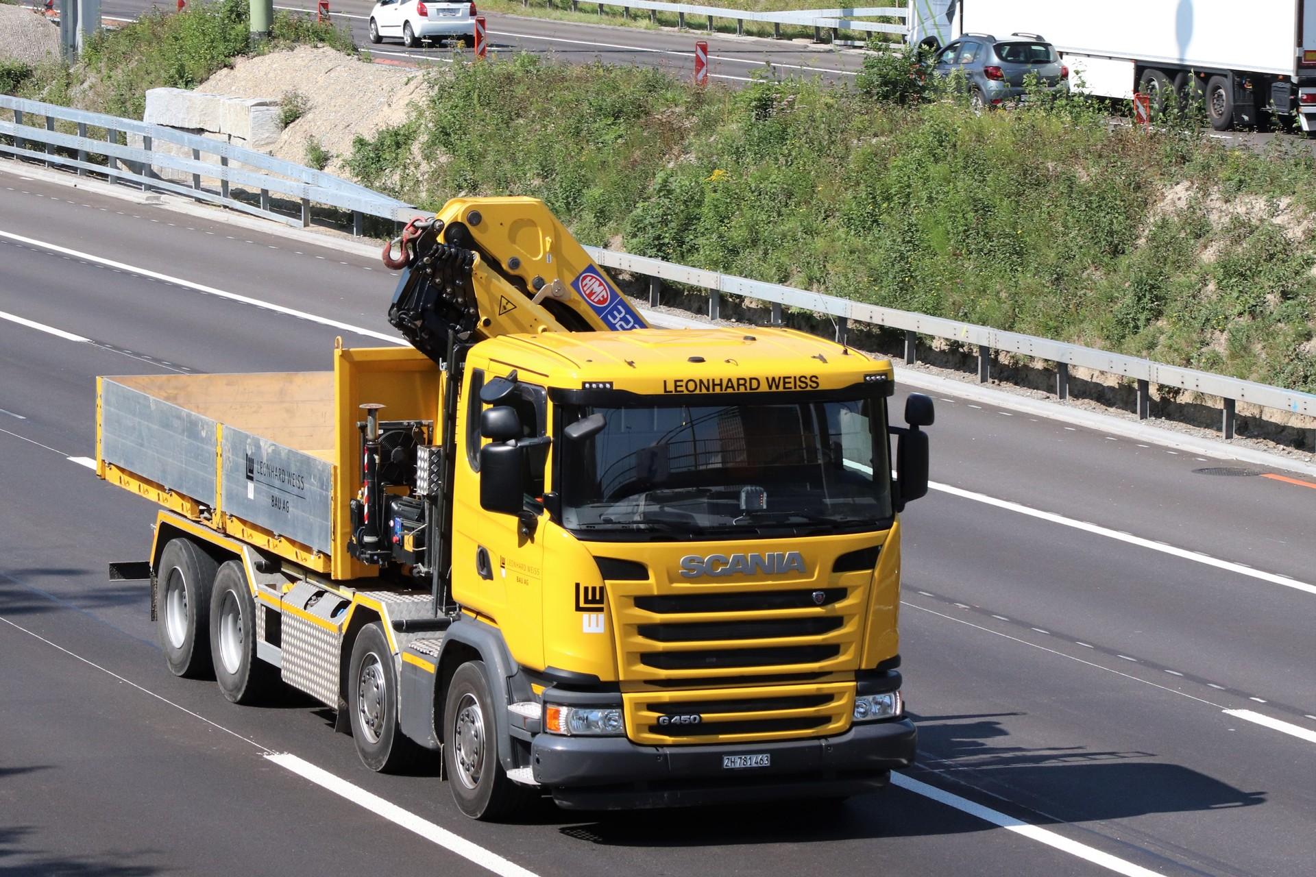 Scania G'13 450 Hakengerät 4a Leonhard Weiss.JPG