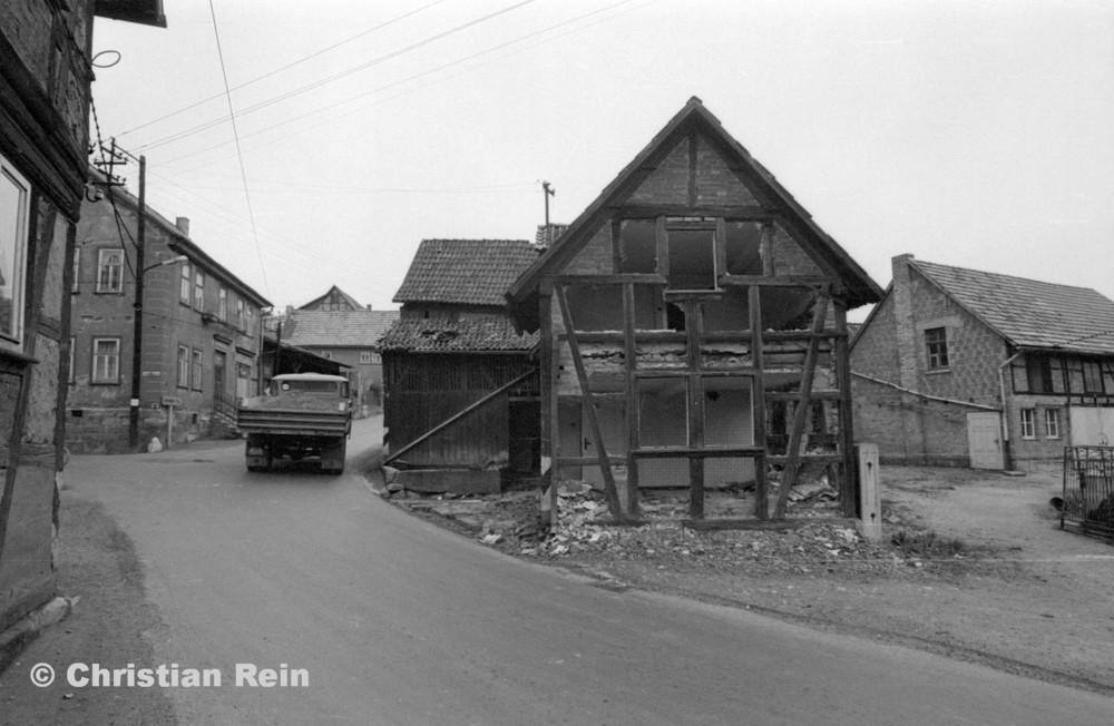 h-sw-060-04-Film3-Abbruch der Häuser Eisensteinstraße 12 und 14 Mai 1977-07.jpg