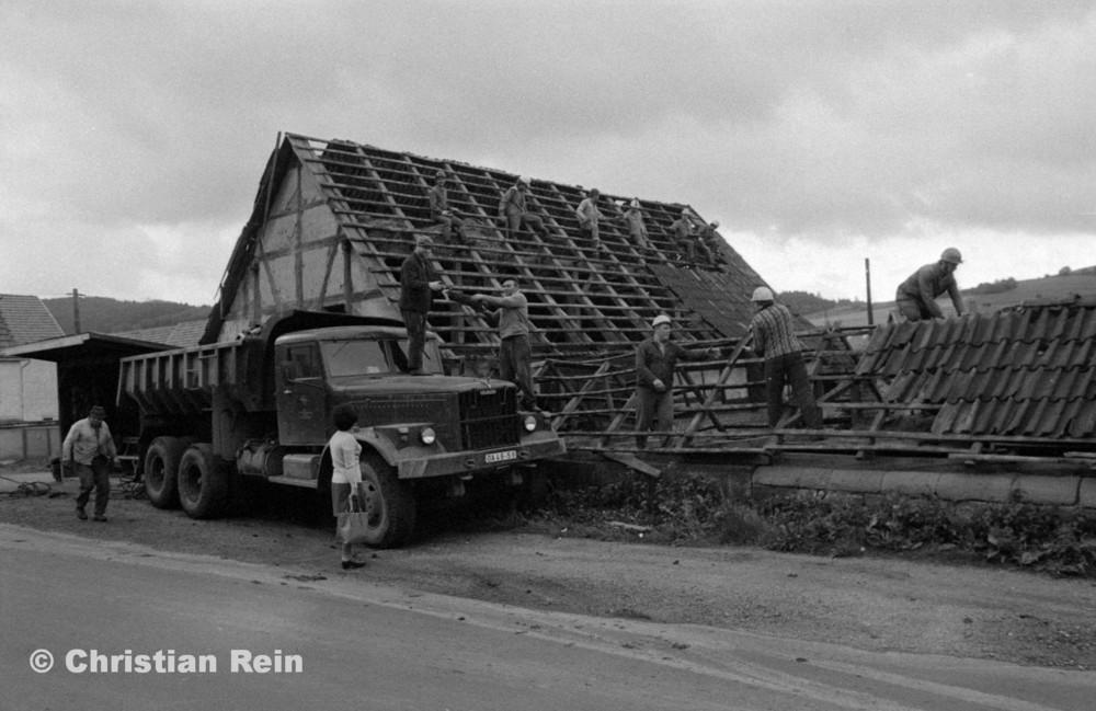 h-sw-066-18-Film1-Scheunenabriss von Lüdecke in Trusen Juni 1978-14.jpg