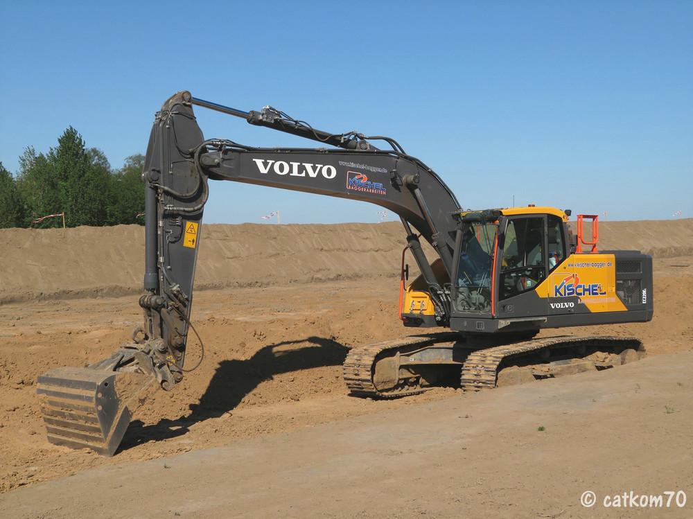 1702961806_Volvo1.thumb.jpg.69f918c8a603d199604d1bde125e4dac.jpg