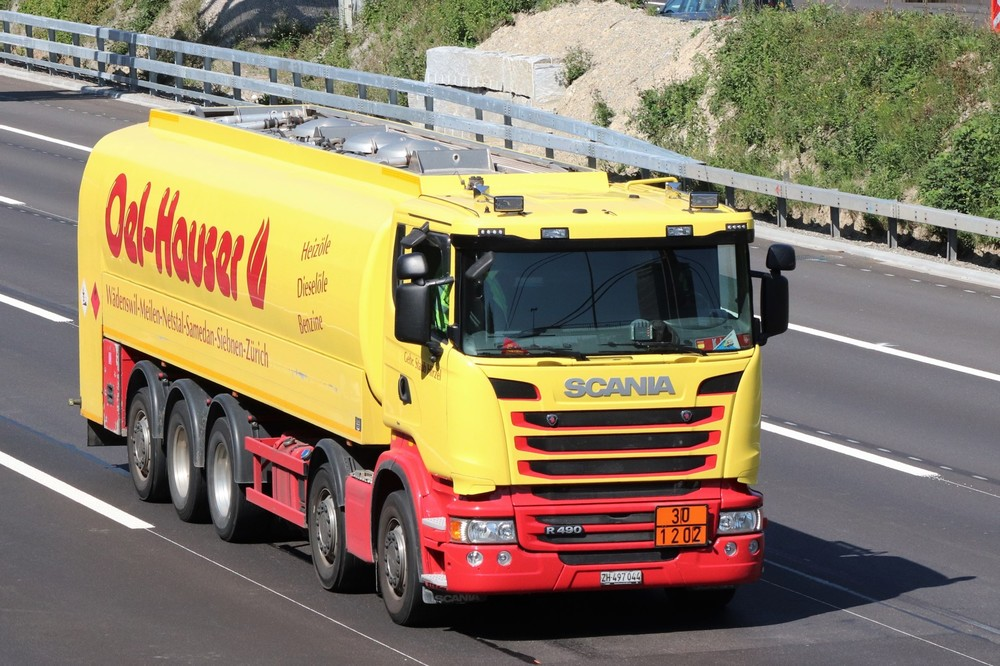 351918132_ScaniaR1349010x4TankwagenStaubHirzel-OelHauser.thumb.JPG.faf2b503578ebc619c7a9964b0d85b2a.JPG