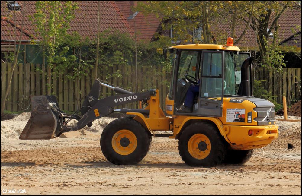 Volvo_L35G_Janssen.thumb.jpg.cd6afc3b64bc50f12d07f04571f58976.jpg