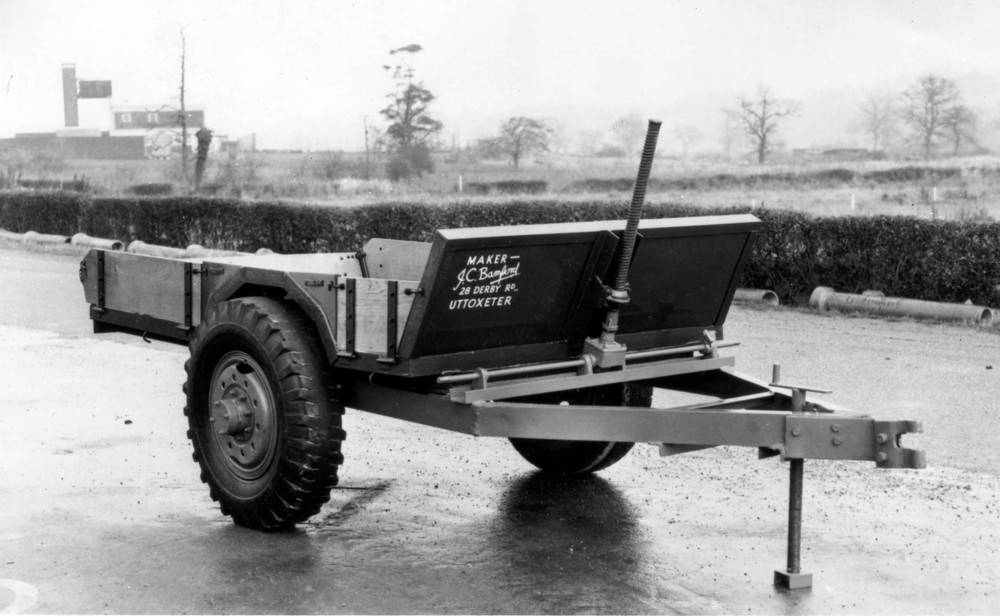 1945 - Mr JCB's first product, a tipping trailer made from war time scrip - Copy (1920).jpg