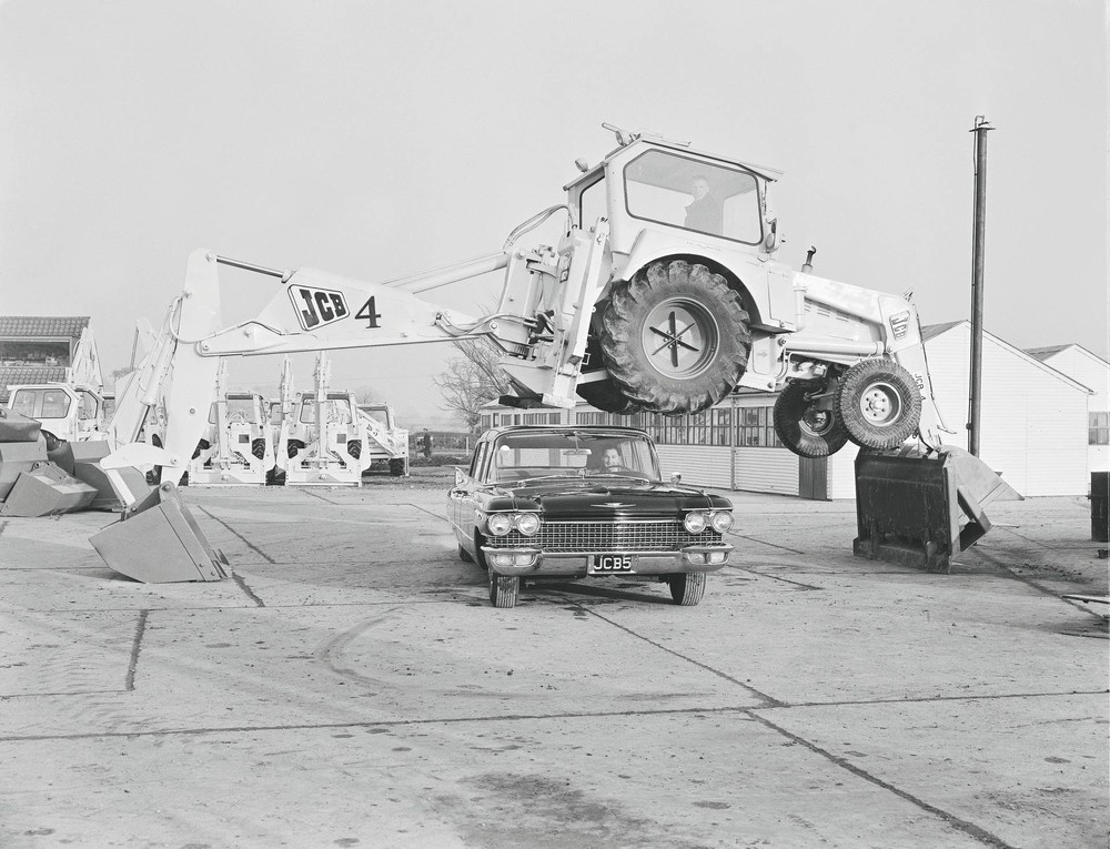 1962 - the JCB Dancing Diggers make their first appearance (1920).jpg
