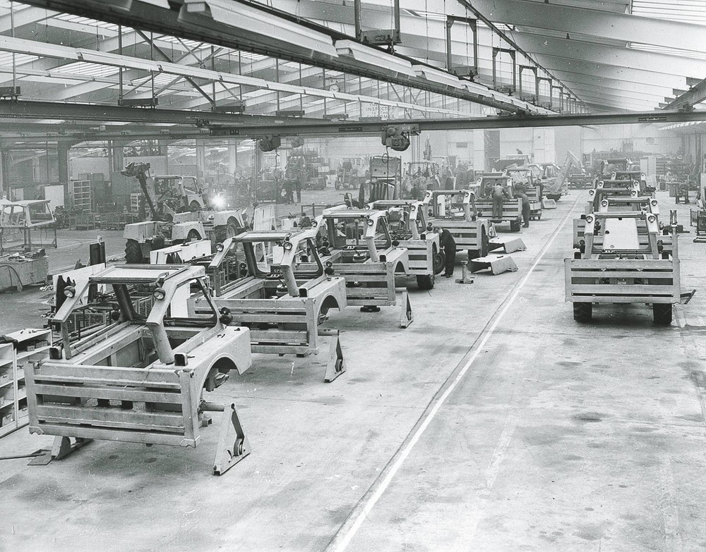 1958 - the production line at Rocester (1920).jpg