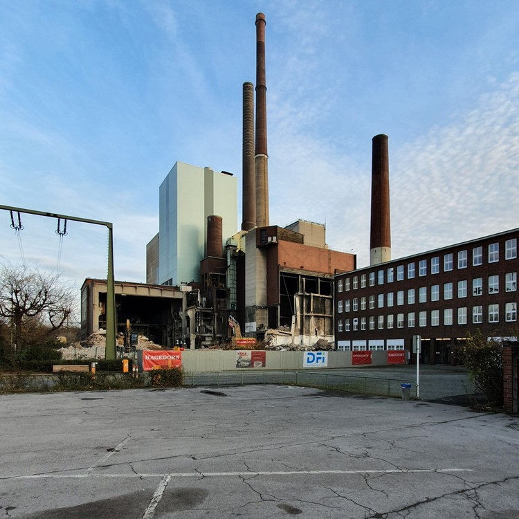 Kraftwerk-Luenen-14-11-2020_001.thumb.jpg.12bb857a7f249a3ec1847c551ac53b90.jpg