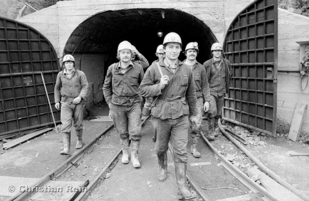 h-sw-071-42-Film3-Jugendbrigade Bergwerk Hühn Mittwoch 19.05.82-44.jpg