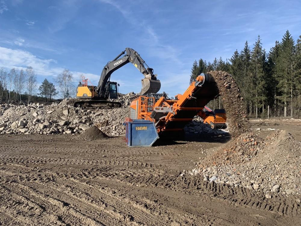 Abb.4_Rockster_R1000S_Mobile-Impact-Crusher_5106_Construction-Waste_Sweden_ (5).jpg
