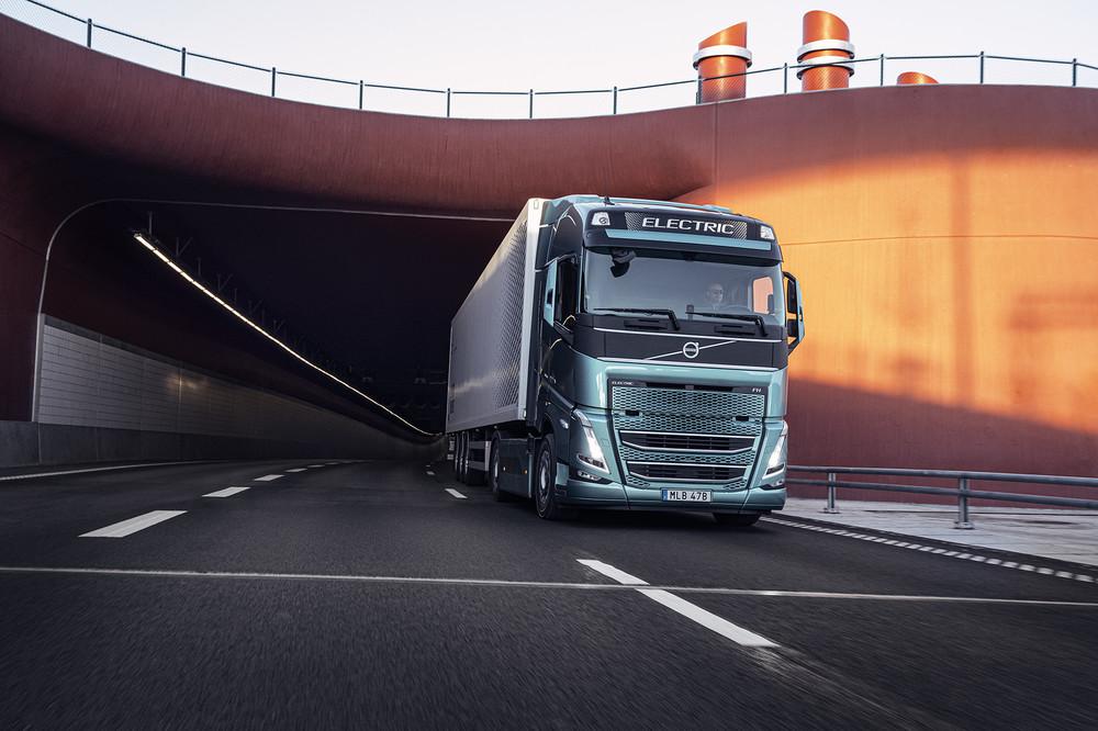 volvo-trucks-now-ready-to-electrify-image3.jpg
