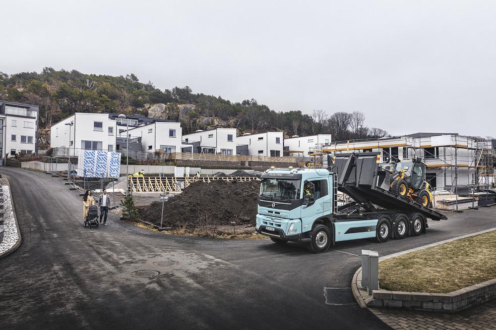 volvo-trucks-now-ready-to-electrify-image7.jpg