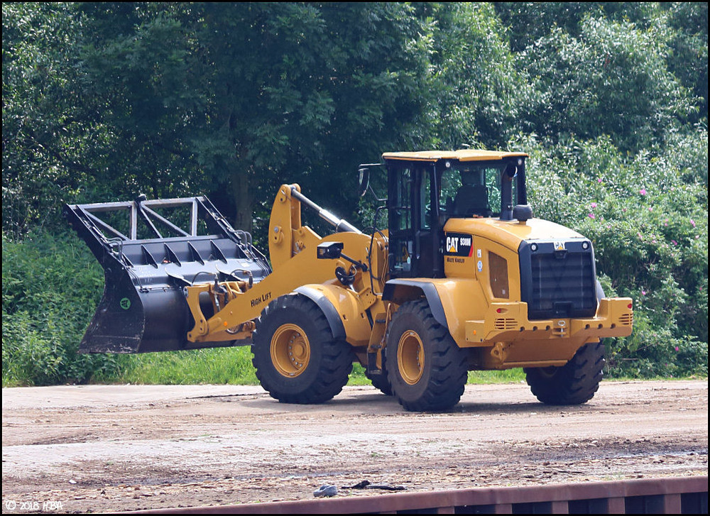 Caterpillar_938M.thumb.jpg.5022df51b7fe21b17d194ec90d7a1abf.jpg