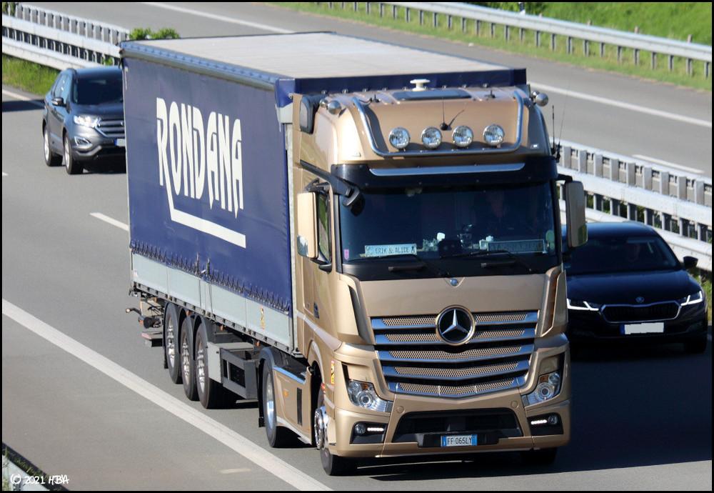 Mercedes_Actros_Italien.thumb.jpg.7c9e3b8e6942e823848d5bbe8c262c94.jpg