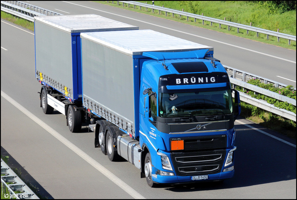 672585160_Volvo_FH_Gliederzug_Brnig.thumb.jpg.8ef2701639f61d50440f60b22094ac11.jpg