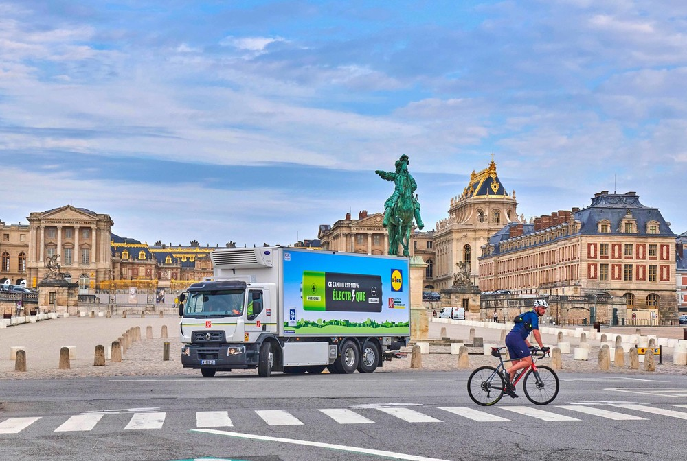 Renault-Trucks-E-Kühlfahrzeug-Versailles.jpg