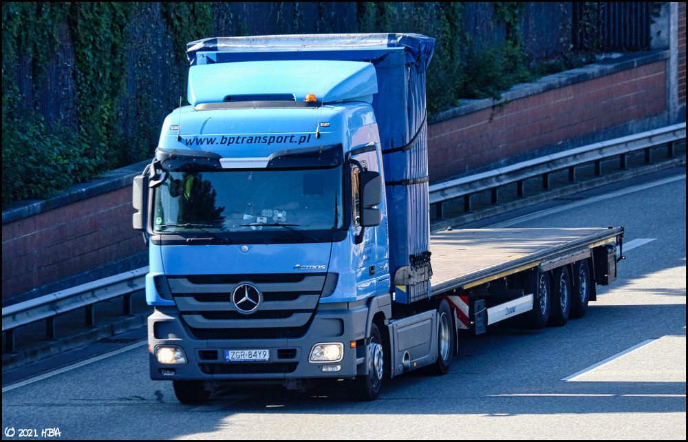 1776691829_Mercedes_Actros3Krone_A31_Polen.thumb.jpg.fd466e658d84a207cc46ed42763eda94.jpg